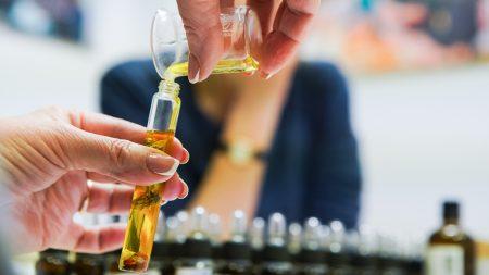 Aliejinių kvepalų gamybos priemonių rinkinys